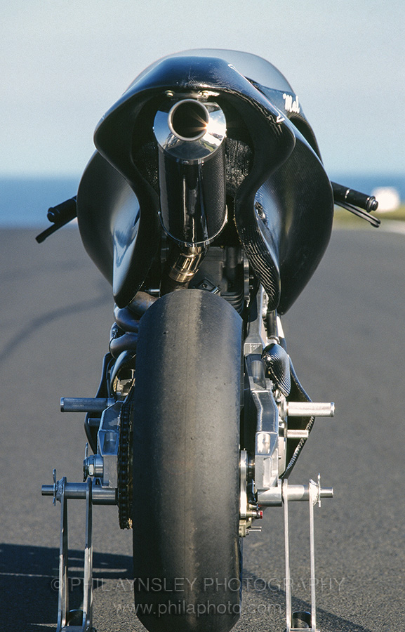The Hunwick Hallam X1R on debut at the 1997 round of the WSBK at Phillip Island. This was the 1000cc Superbike version of the concept. 1100/1350cc street models were planned. In development form the 1000cc made 170hp at the rear wheel