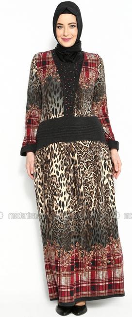 Desain Baju Muslim Trendy untuk Wanita Gemuk