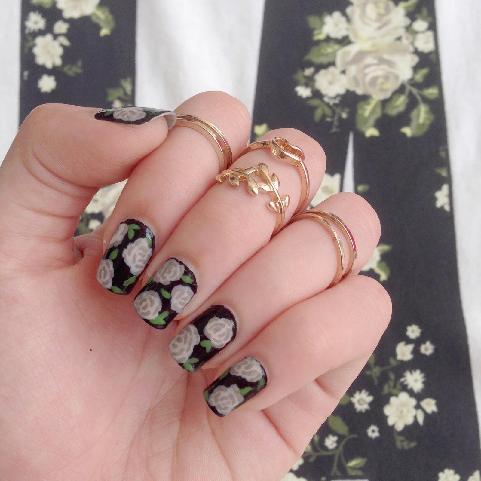 Megoosta Fashion: nail art: grey roses