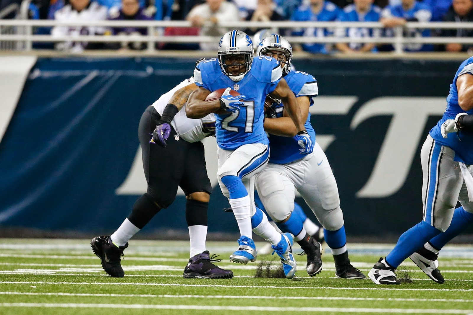 Detroit Lions — Three reasons Reggie Bush a great asset