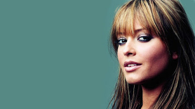 Holly Valance Wide Screen Wallpaper