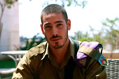 Exército israelense declara guerra às barbas