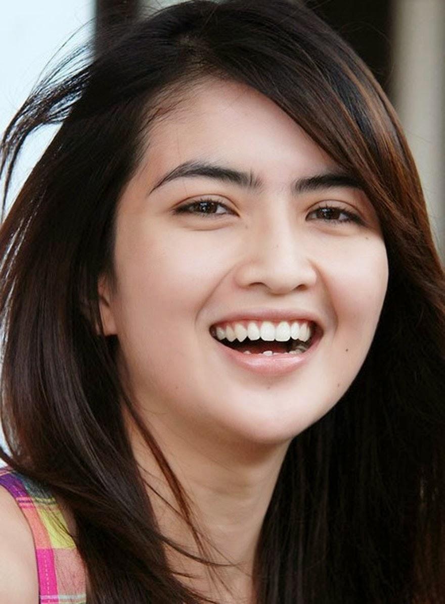 10 Artis Indonesia Paling Cantik Di era Tahun 2014-san ...