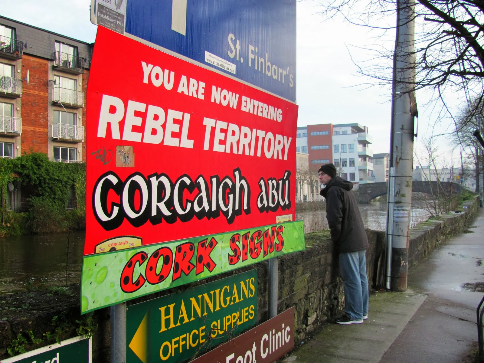 Cork Rebel Sings along the River Lee South Fork