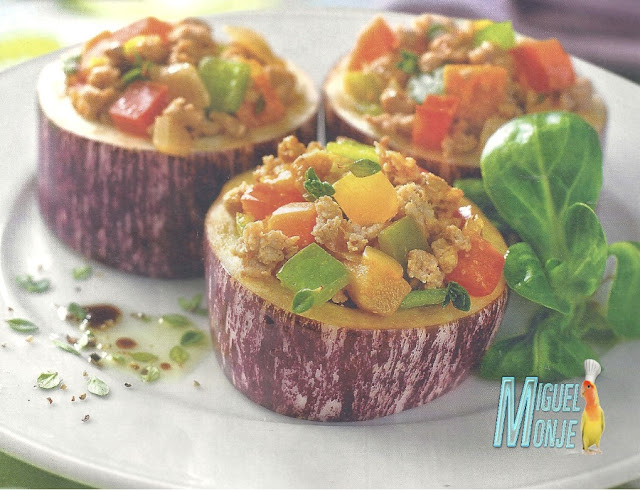 Berenjenas rellenas de carne y verdura
