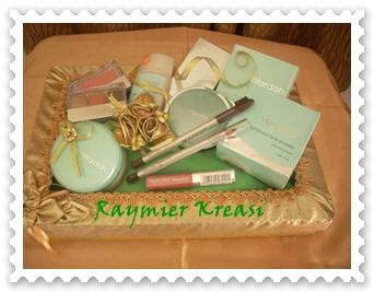 Raymier Kreasi Hantaran Berupa Kosmetik