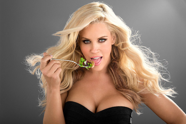 Jenny McCarthy eating