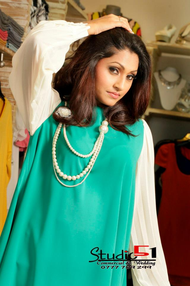 Aruni Rajapaksha in super six movie ~ Ceylon Models