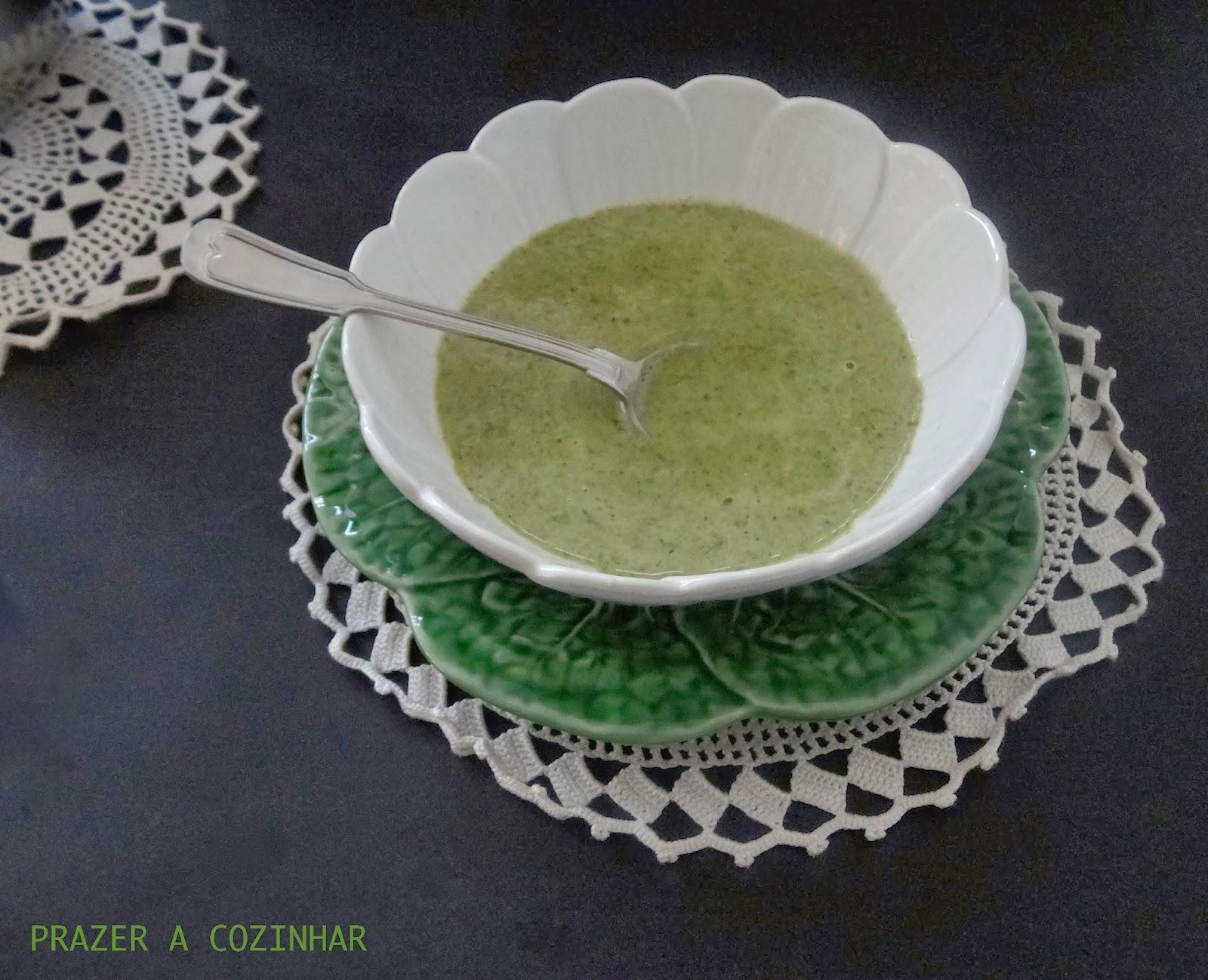 prazer a cozinhar - Sopa de brócolos e espinafres