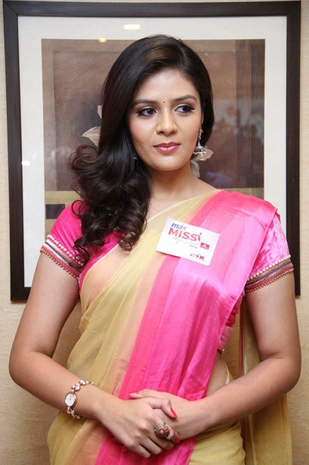 Sri Mukhi at Max Miss Hyderabad 2014 Photos