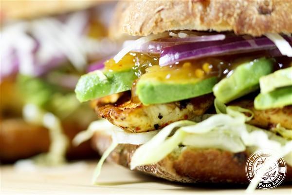 Burger met kipfilet en French's Sweet Onion Relish