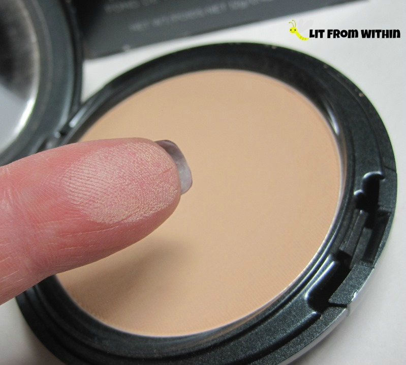 Cover F/X Pressed Mineral Foundation P30
