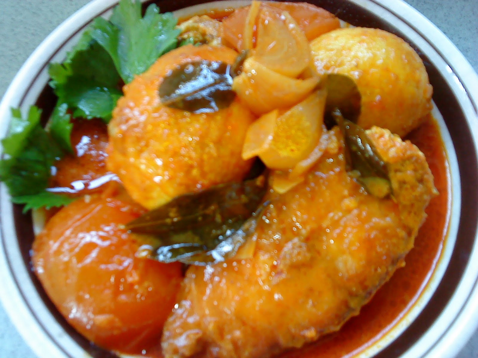 Cooking pleasure home cooked indian style fish and eggs curry for Fish eggs food