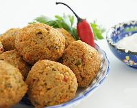 Falafel com Molho de Gergelim (vegana)