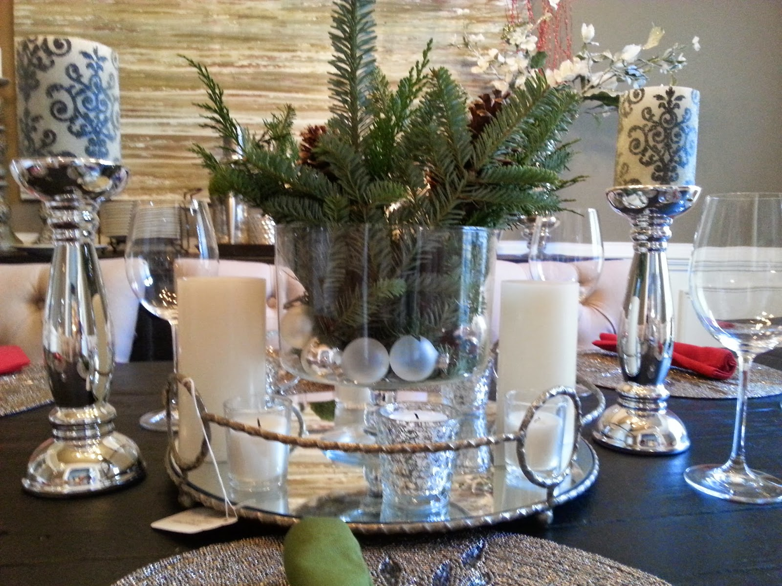 37 silver and gold christmas decorations ideas table for Silver centerpieces for dining table