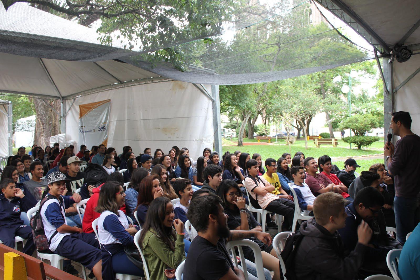 Palestras dinâmicas, bem-humoradas, com linguagem adequada a cada público.