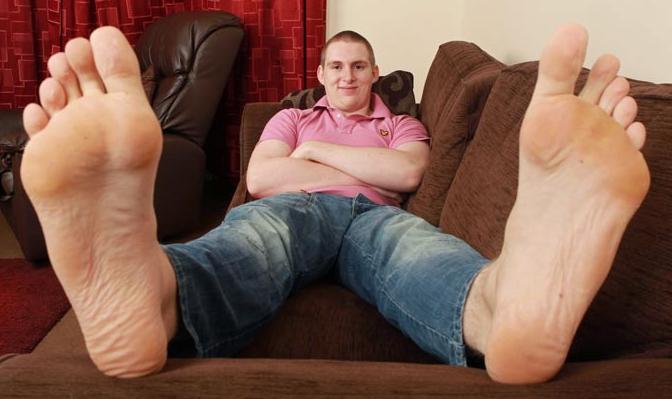 big feet big dick Sex myth buster - NHS Choices.