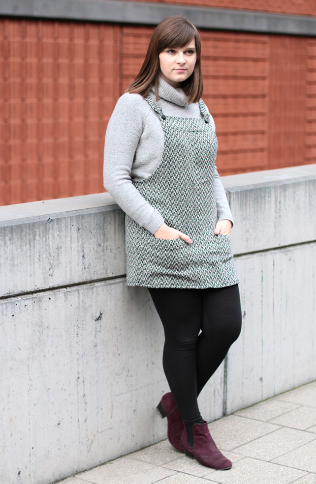 pinafore dress turtleneck grey fall outfit