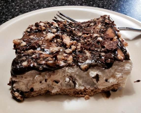 ... !! Weight Watcher Friendly Snickers Bar Pie! 4 Points per Huge Slice
