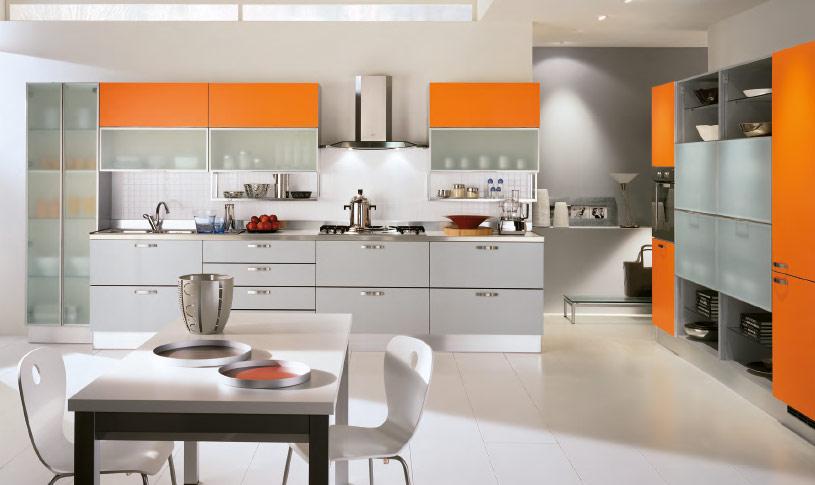 Decoração de cozinha com armario laranja