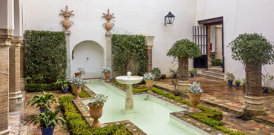Luzyarte: Los patios árabes españoles producen calma tranquila