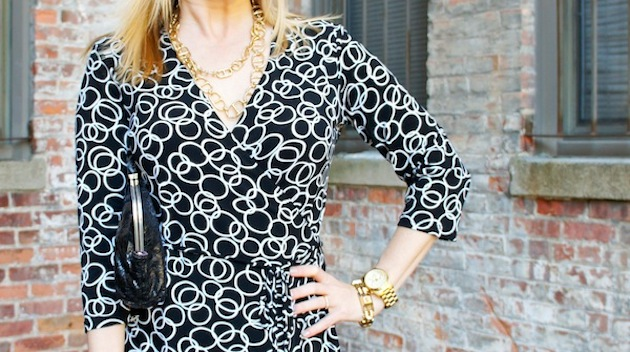 how to accessorize a wrap dress