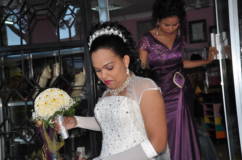 Onja kidogo harusi ya MRS Selina fernandes Mapunda