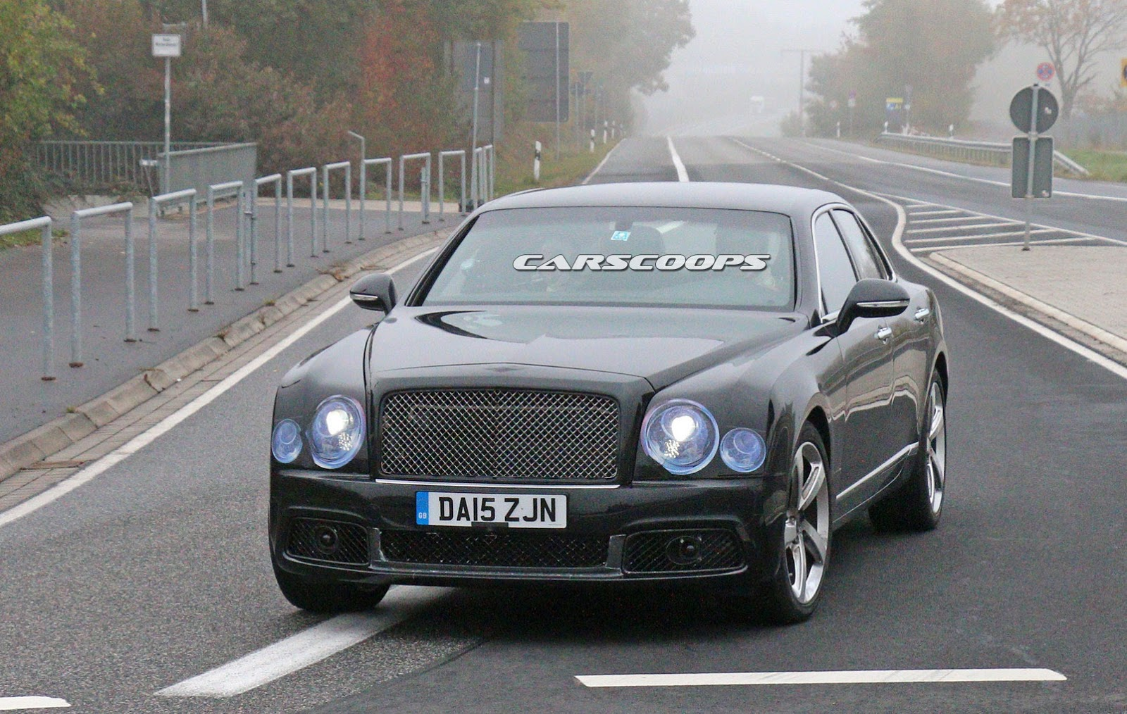 2009 - [Bentley] Mulsanne - Page 10 2017-Bentley-Mulsanne-FL2