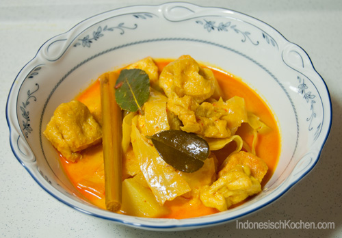 Indonesisches Tofu Curry