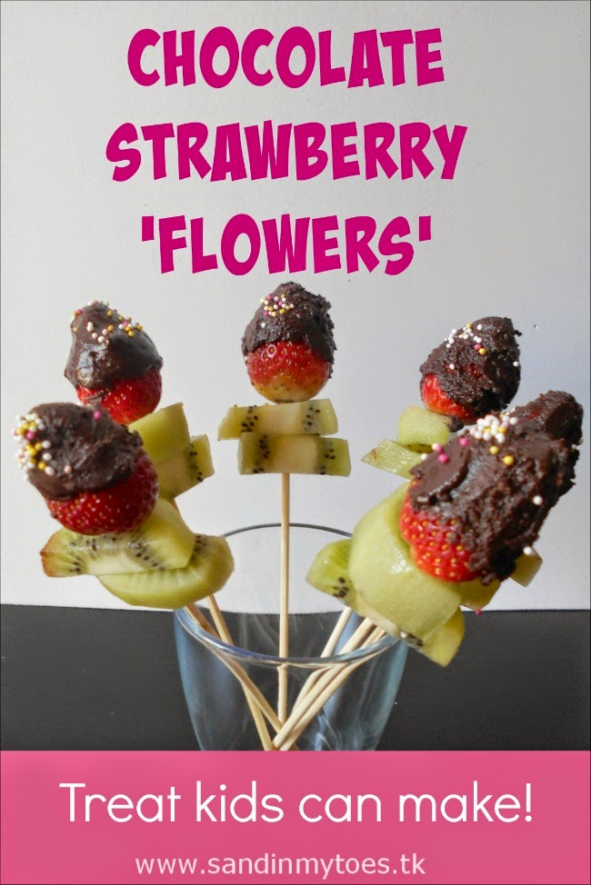 Chocolate Strawberry Flowers - a treat that kids can make!