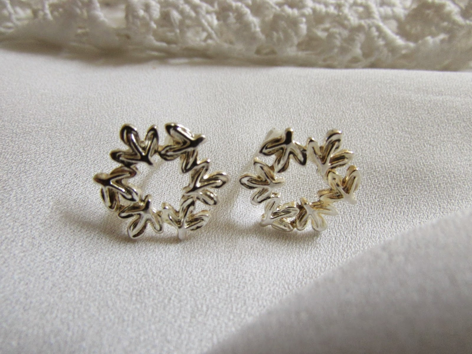 yesfor, yesfor jewelry, yesfor fashion jewelry, yesfor review, fall leaves earrings, silver earrings, vintage ring, gold vintage ring