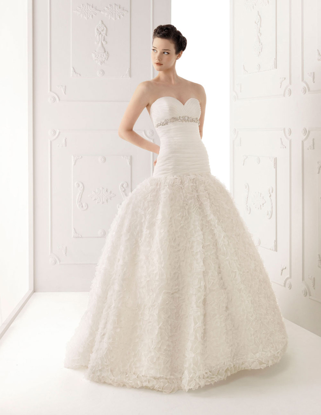 Alma Novia 2012 Bridal Collection + The dress of The Week - Belle ...