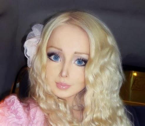 Pin Valeria Lukyanova Es Una Muneca Barbie Viviente Tiene Casi Todas Las on Pinterest