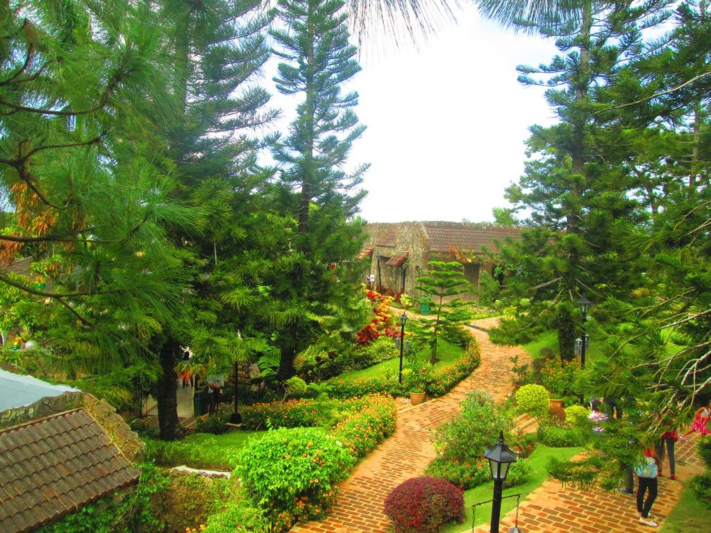 Adventures of Manong Unyol Caleruega Church
