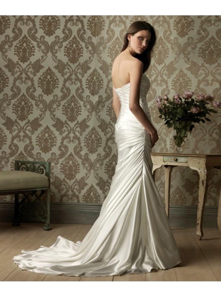 Vestido de Novia Strapless, Escote Corazon y Falda con Pliegues Diagonales