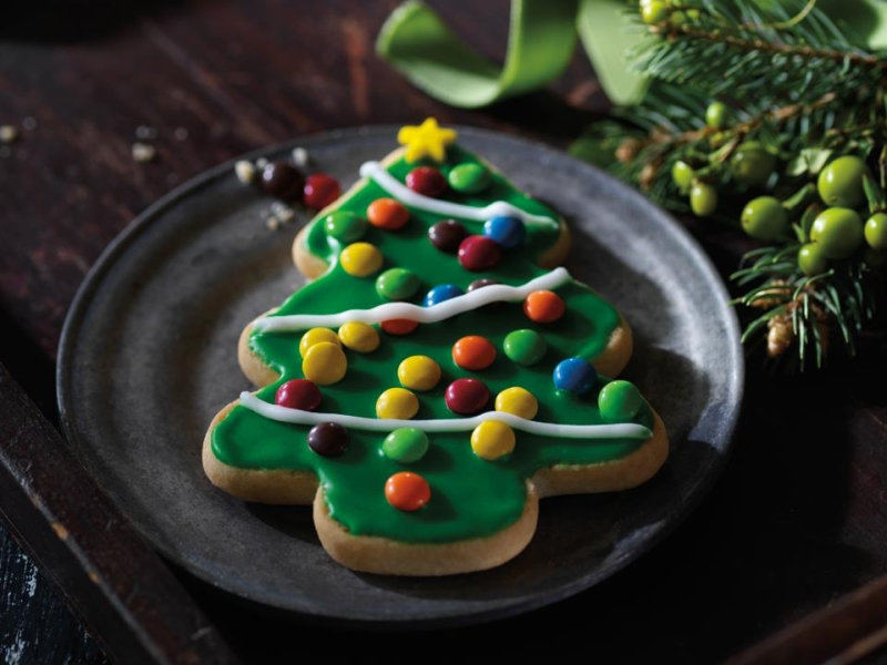 Green Themed Christmas Tree