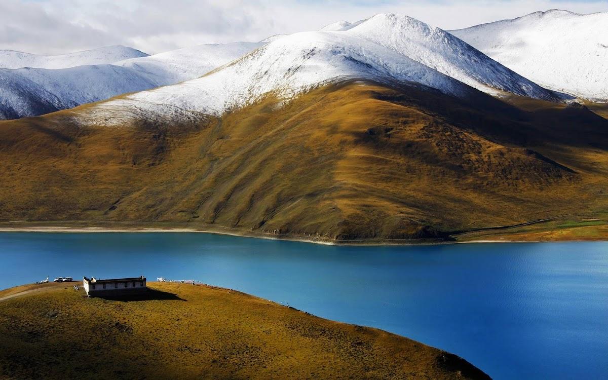 Amazing Snowy Mountain Widescreen HD Wallpaper