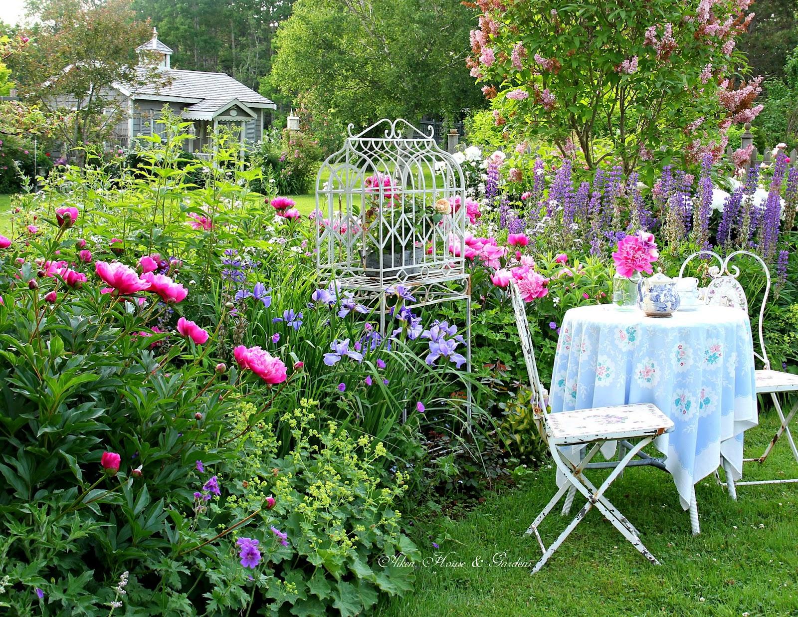 Aiken house gardens for Landscaping your garden