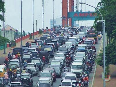 Jembatan Ampera Overkapasitas