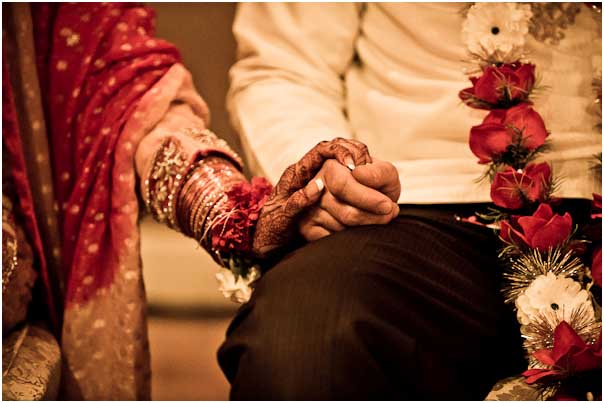 Punjabi Marriage Couple Holding Hands Romantic Sikh Couple Published Romantic Sikh