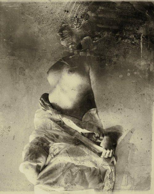 michael mozolewski photoshop manipulação modelos sensuais mulheres ruínas tempo