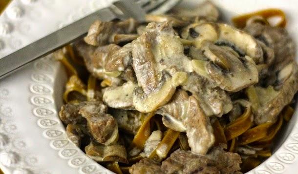 Receita de stroganoff de vaca com cogumelos e massa