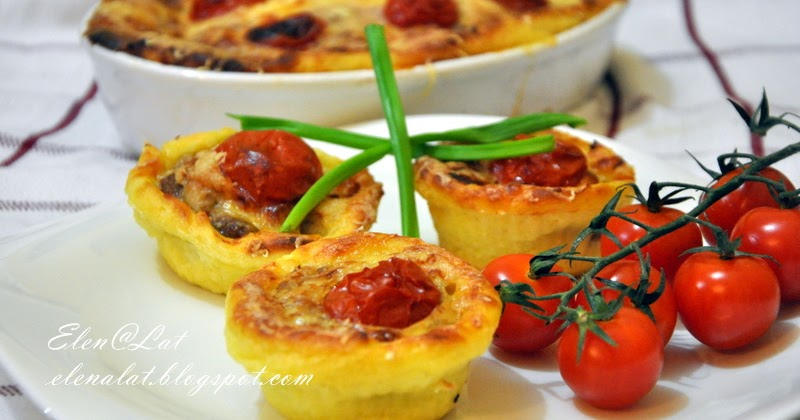картофельная запеканка с тефтелями и помидорами черри