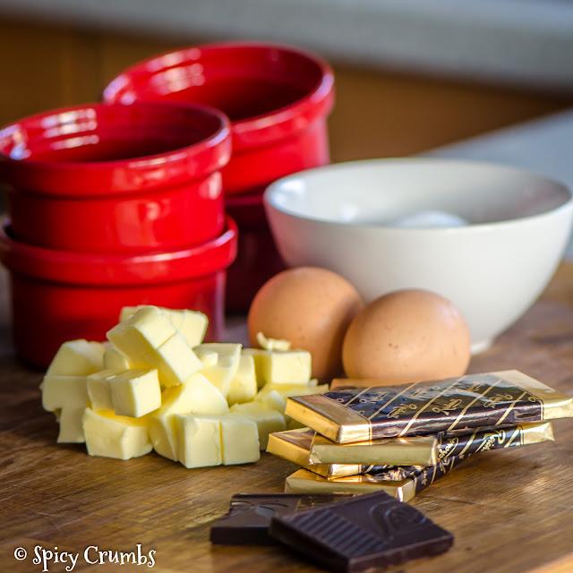 čokoládové košíčky - molten cakes