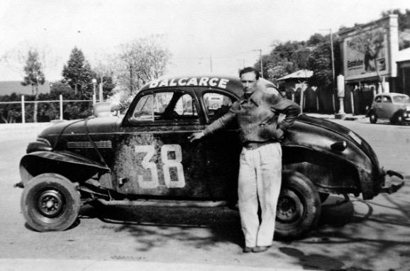 Juan Manuel Fangio con su Chevrolet TC