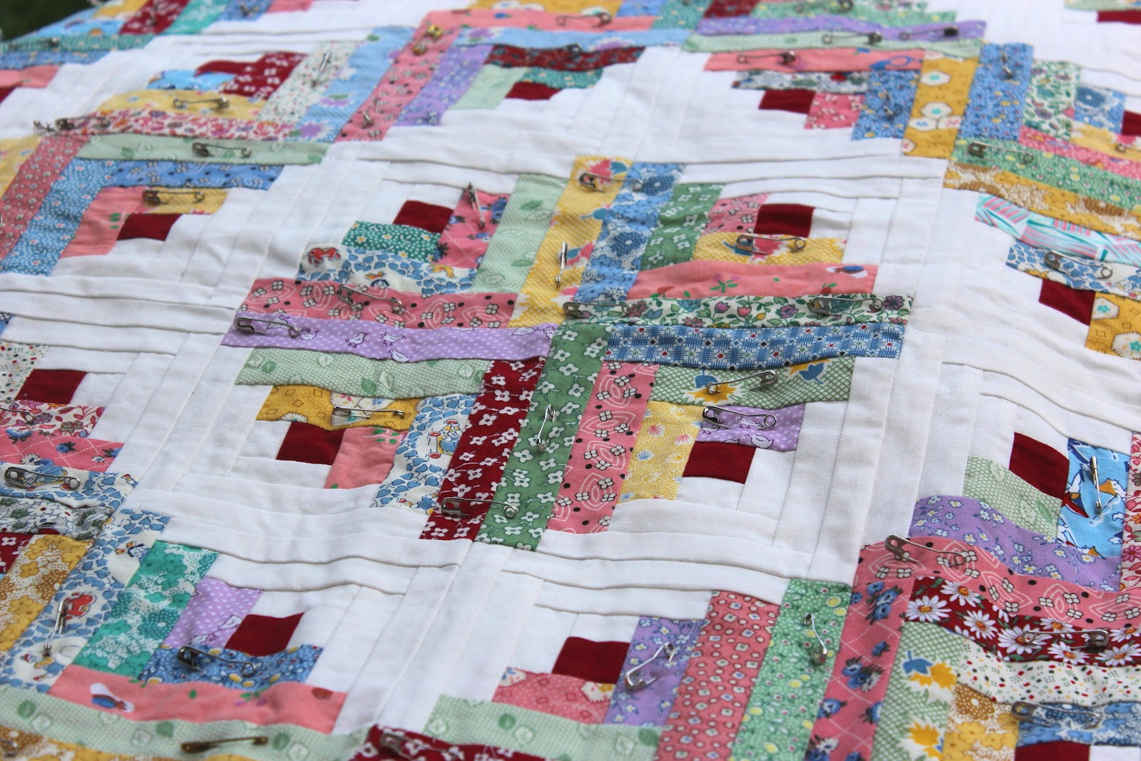 Where Did Log Cabin Patchwork Come From | kashiori.com Wooden Sofa ... : log cabin style quilts - Adamdwight.com