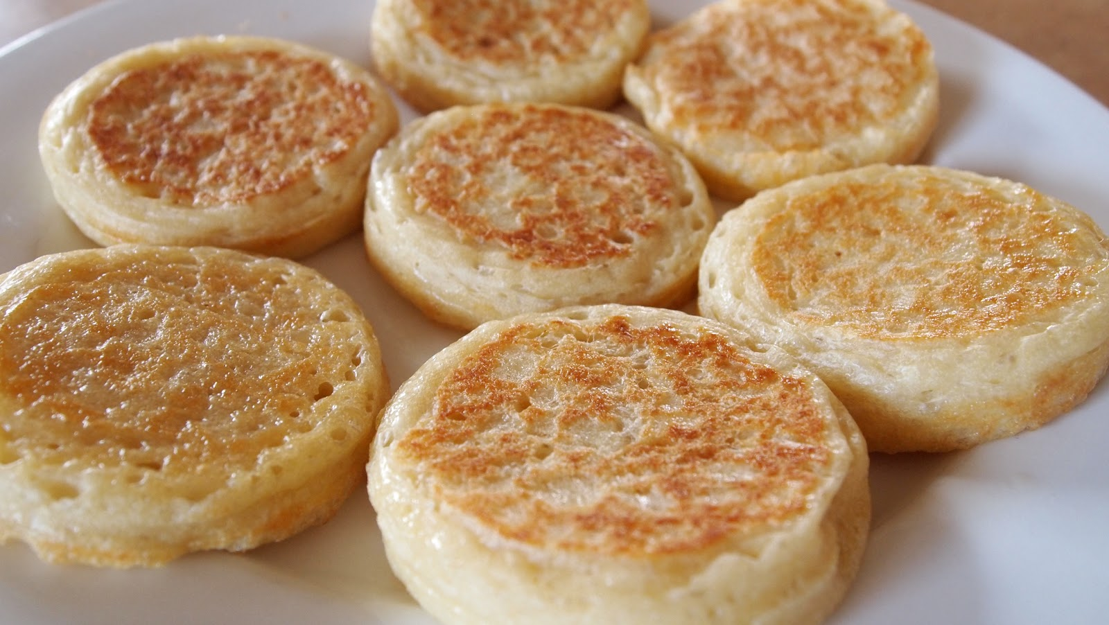 The Bush Gourmand: Crumpets