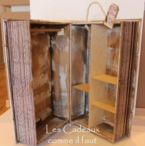 Βιβλίο-κουτί αποθήκευσης με θέμα η Αλίκη στην Χώρα των Θαυμάτων