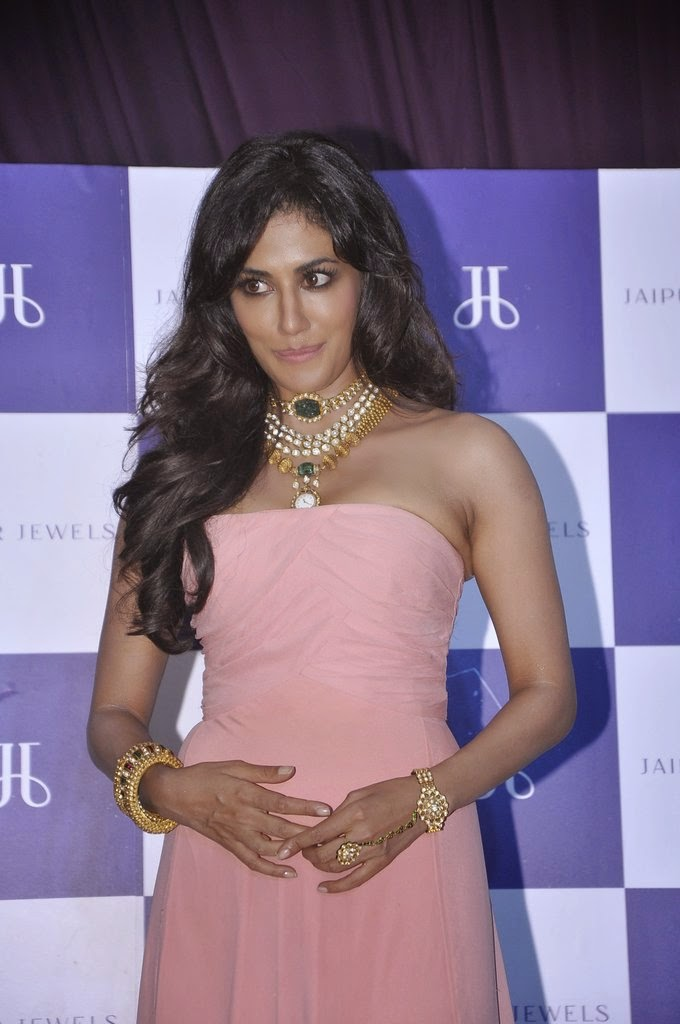 Chitrangada Endorses Renowned Jewellery Brand Jaipur Jewels