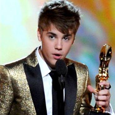 justin bieber selena gomez 2011 billboard. images Justin Bieber Selena